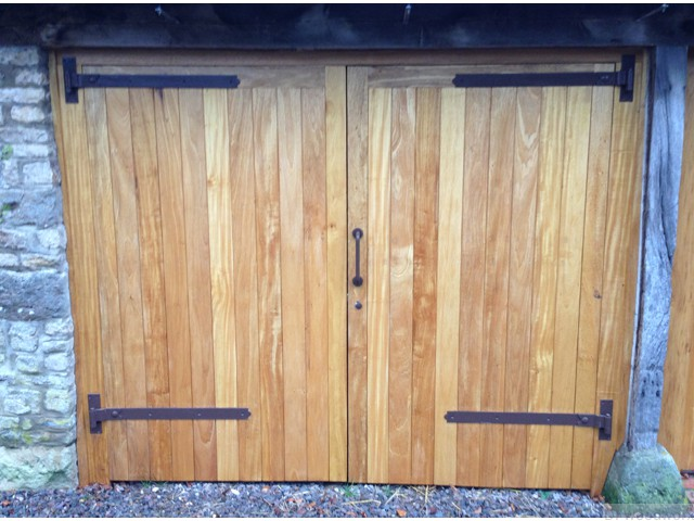 double-wooden-garage