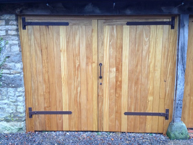 garage-doors-solid-oak